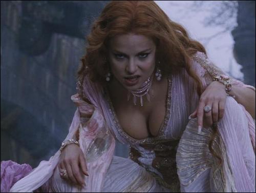 Дракула и алира порно